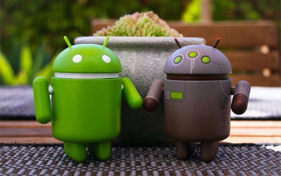 Google Android Bots Couple