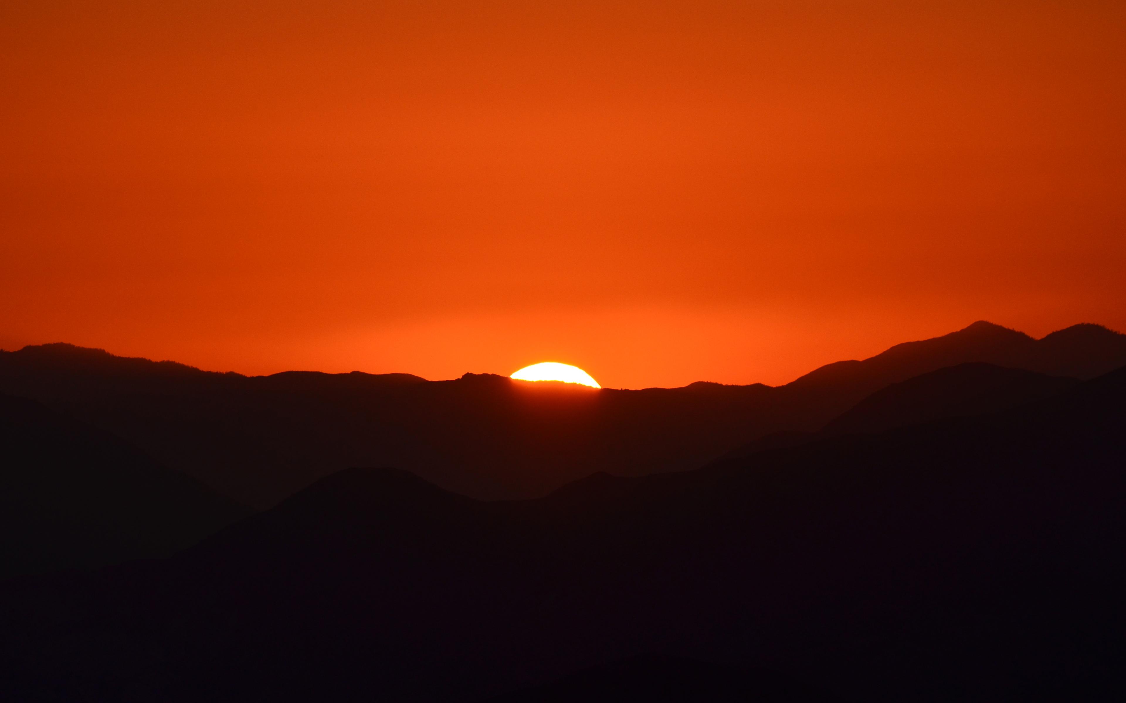 Angeles Sunset Wallpaper by Terry Majamaki